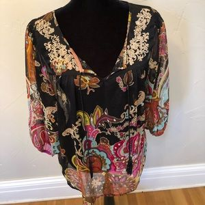 Patterned blouse with embroidery